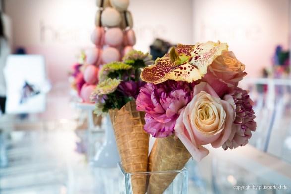 Blütenpracht bei der Fashionshow von Guido Maria Kretschmer by Heine