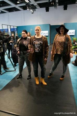 v. l. n. r. Sarah Stoll, Sabrina Knipp, Laura Goymann II Models Laura Goymann, Sarah Stoll and Sabrina Knipp