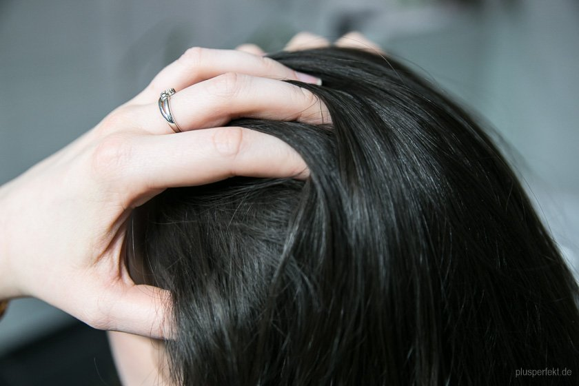 Vorher: Die glatten Haare unserer Models