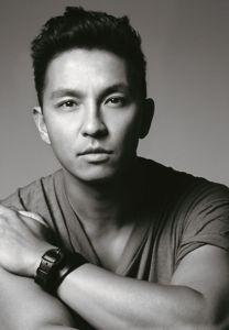 Schwarz- Weiß Porttrait des Designers | Credits: Prabal Gurung