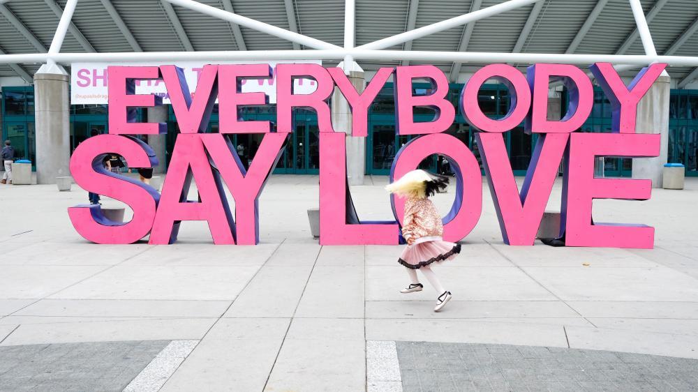 Dr. Ilona Bürgel: Warum die Liebe sich nie irrt