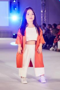 """Sie trägt Mode von """"Auf Augenhöhe"""" - Diversity Fashion Days"""