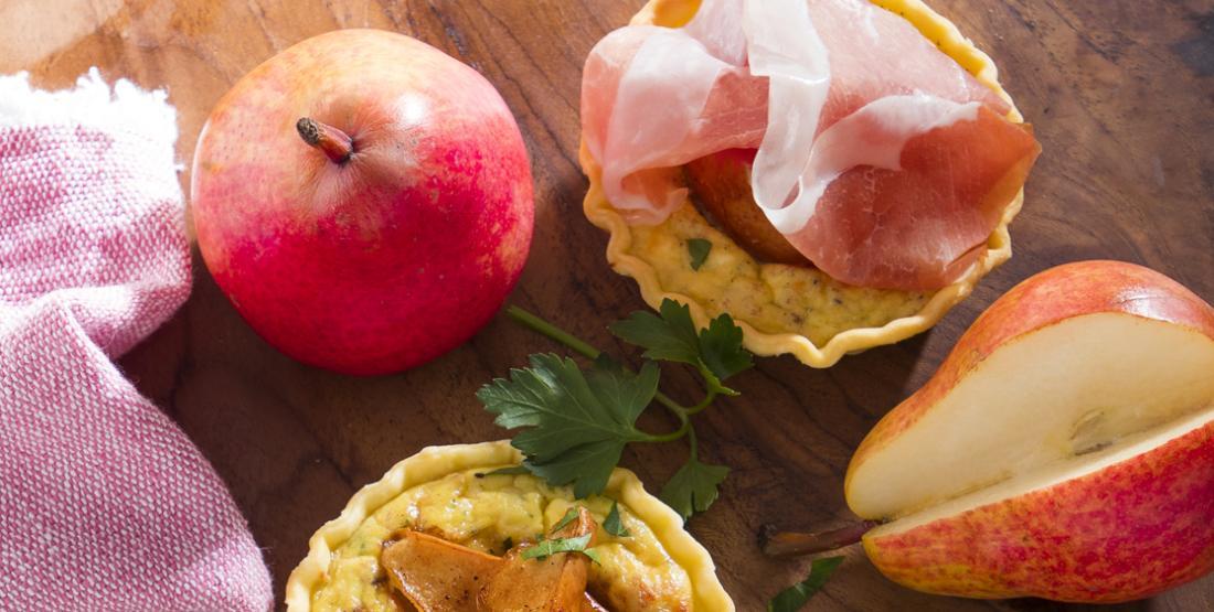 Quick & Easy: Mini-Quiche mit Birne und Parmaschinken   Foto: Consorzio del Prosciutto di Parma