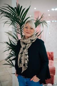 Ramona | Inhaberin des Brautmodenstudios Linie 8