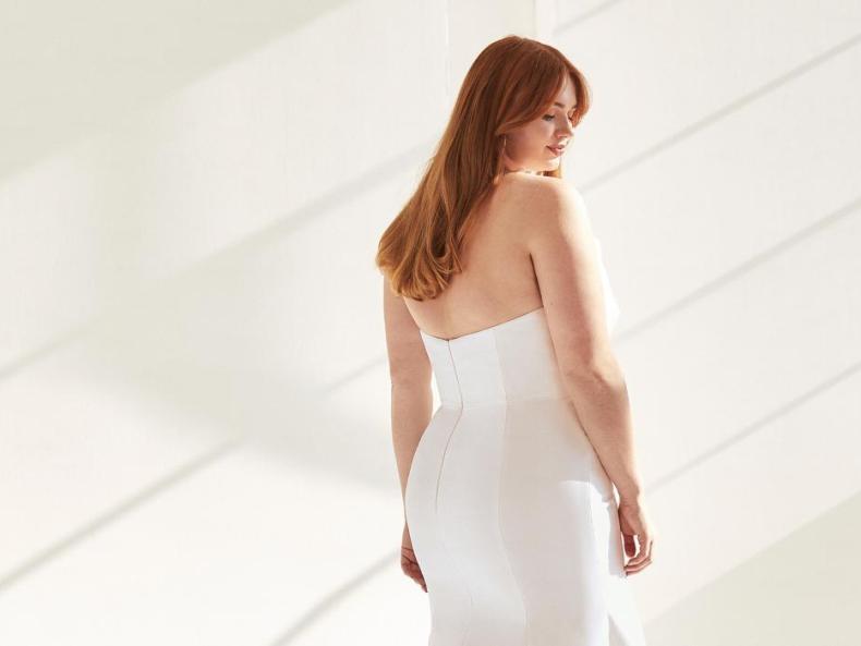 Hochzeitskleid aus der Ashley Graham x Pronovias Kollektion