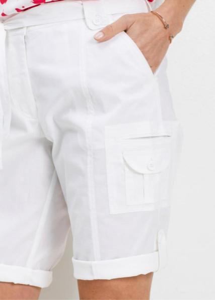 Bermuda für Curvys in Weiß | bonprix