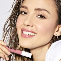 Jessica Alba: Warum die Lippenstifte der Schauspielerin clean sind