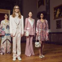 Breuninger & Staatsgalerie Stuttgart: Digitale Fashion Show zum Frühlingsanfang
