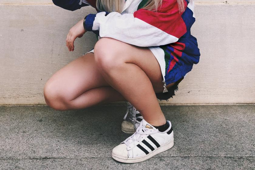 Adidas verlost Schuhe zum Welfrauentag? Vorsicht vor dieser WhatsApp Nachricht