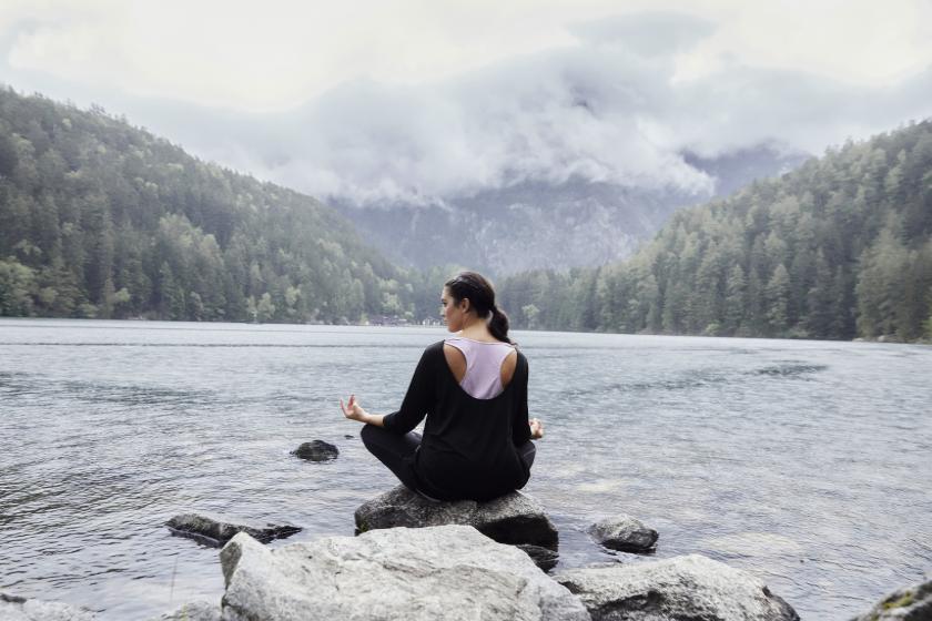 Curvy Yoga: So macht Entspannung Spaß