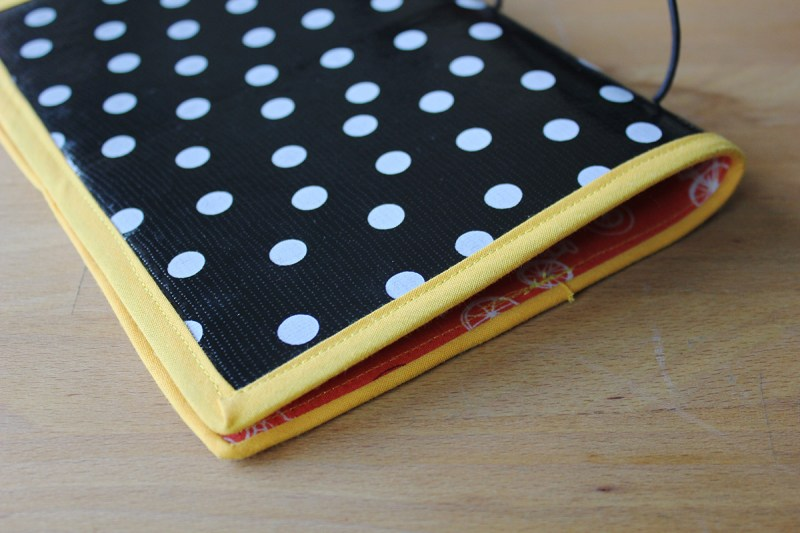 Alternative to the leather Midori Traveler's Notebook: a cover from fabric and oil cloth