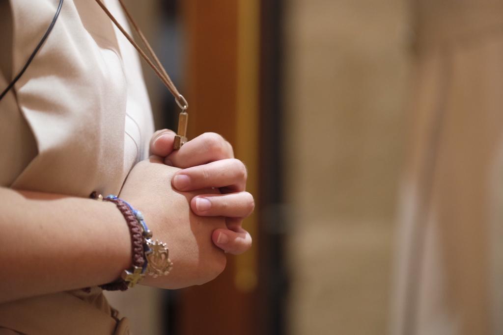 hermana rezando