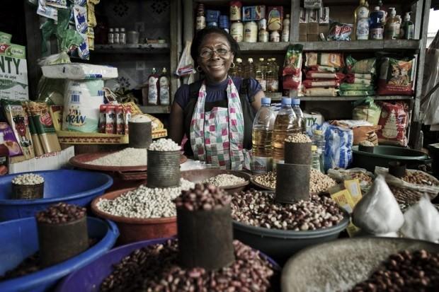 Femme commercante senegalaise