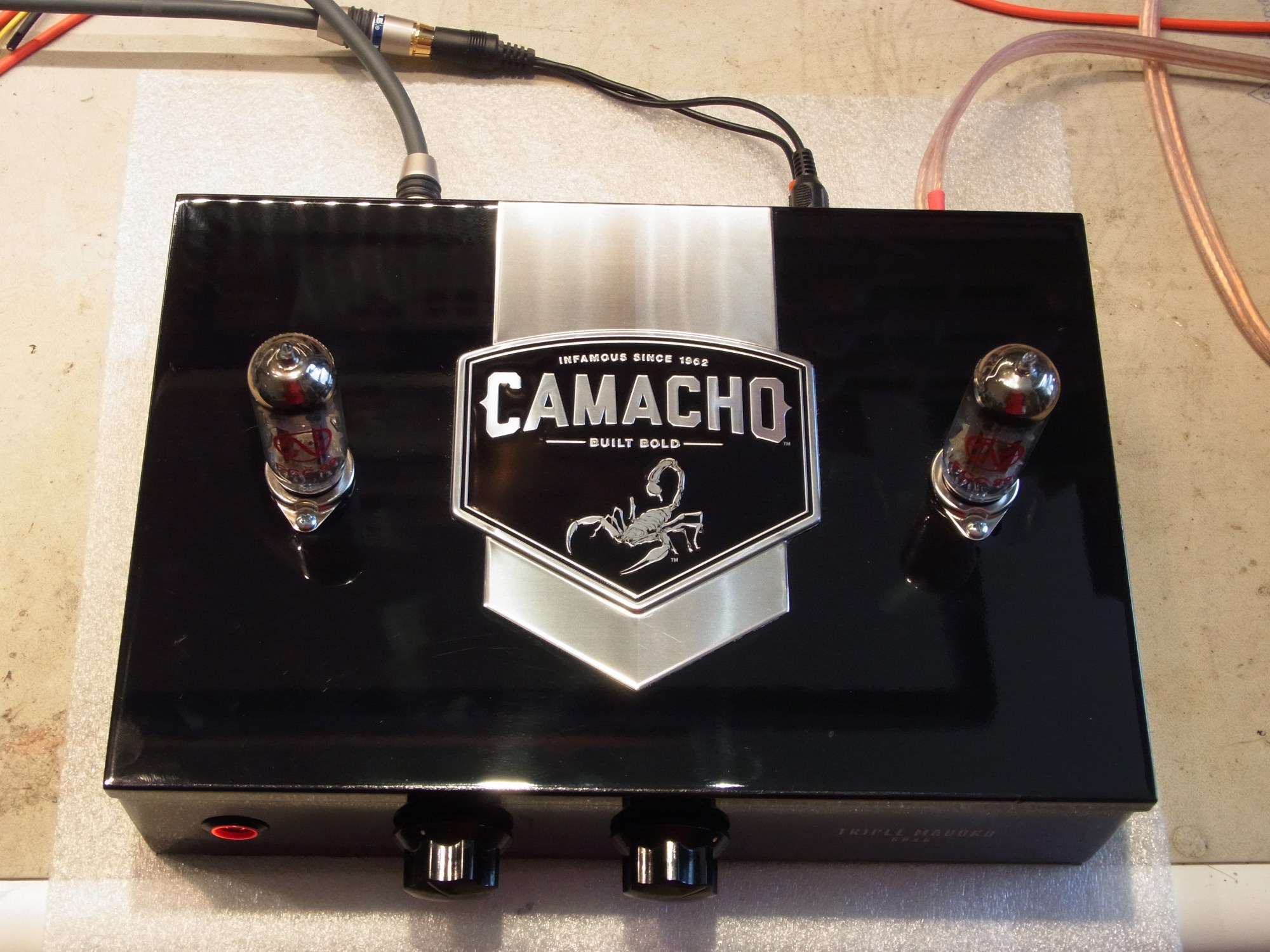 hight resolution of the line stage is a simple current sourced grounded cathode amp using ecc99 tubes i added some feedback to get the gain down to about 12db
