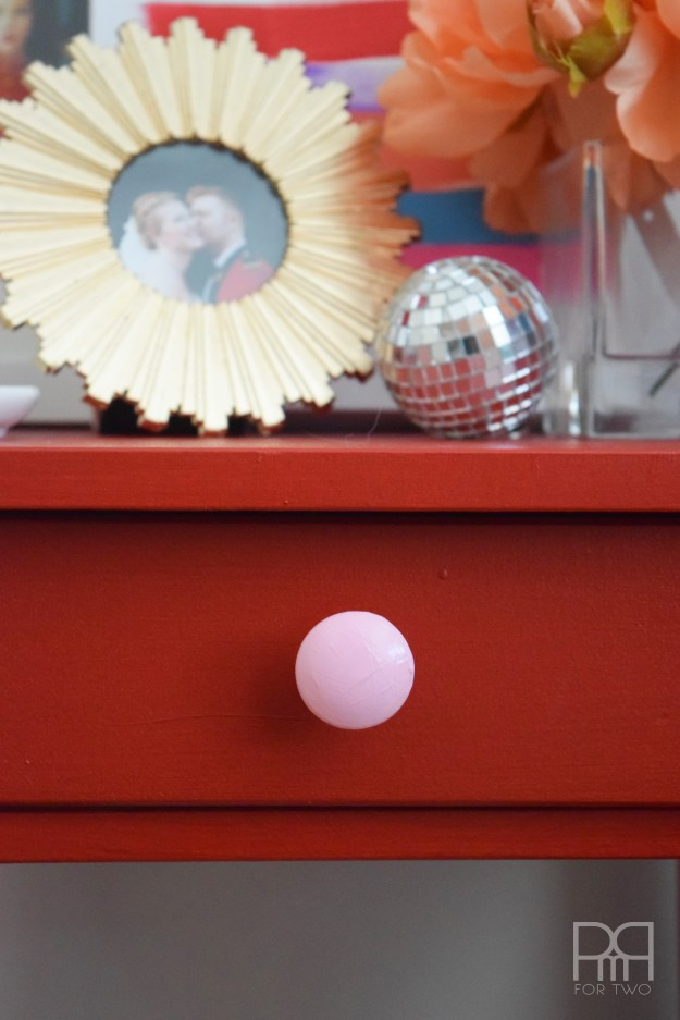 sidetable with pink knob