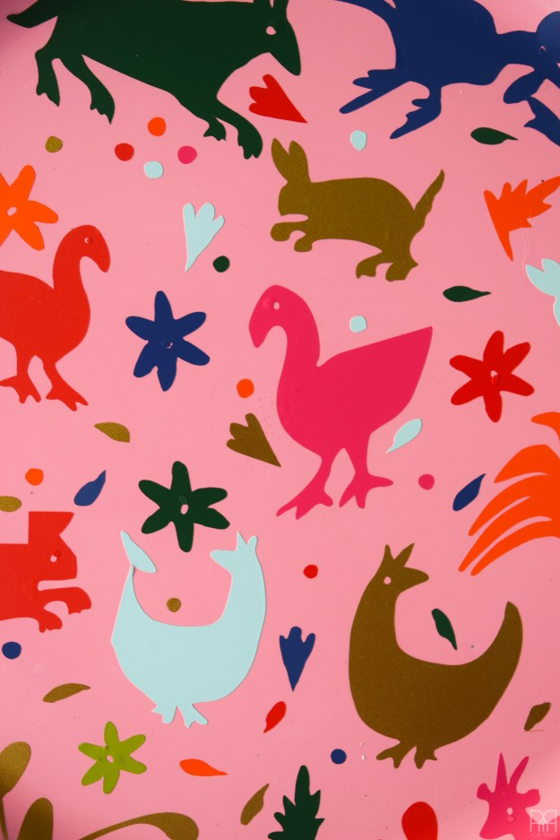 Vinyl Otomi Chargers 16