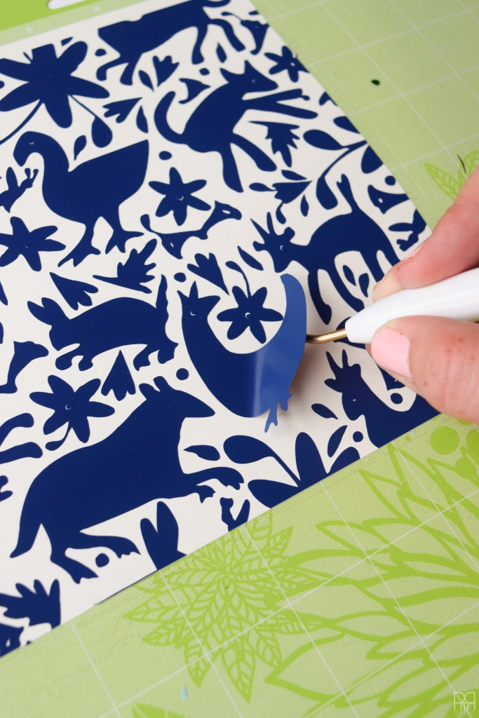 Vinyl Otomi Chargers with cricut