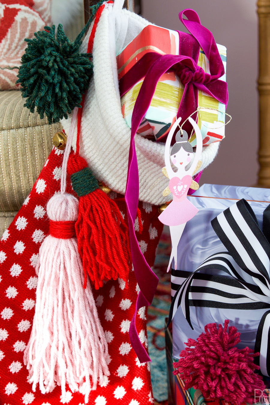 diy-pom-poms-and-tassels-11
