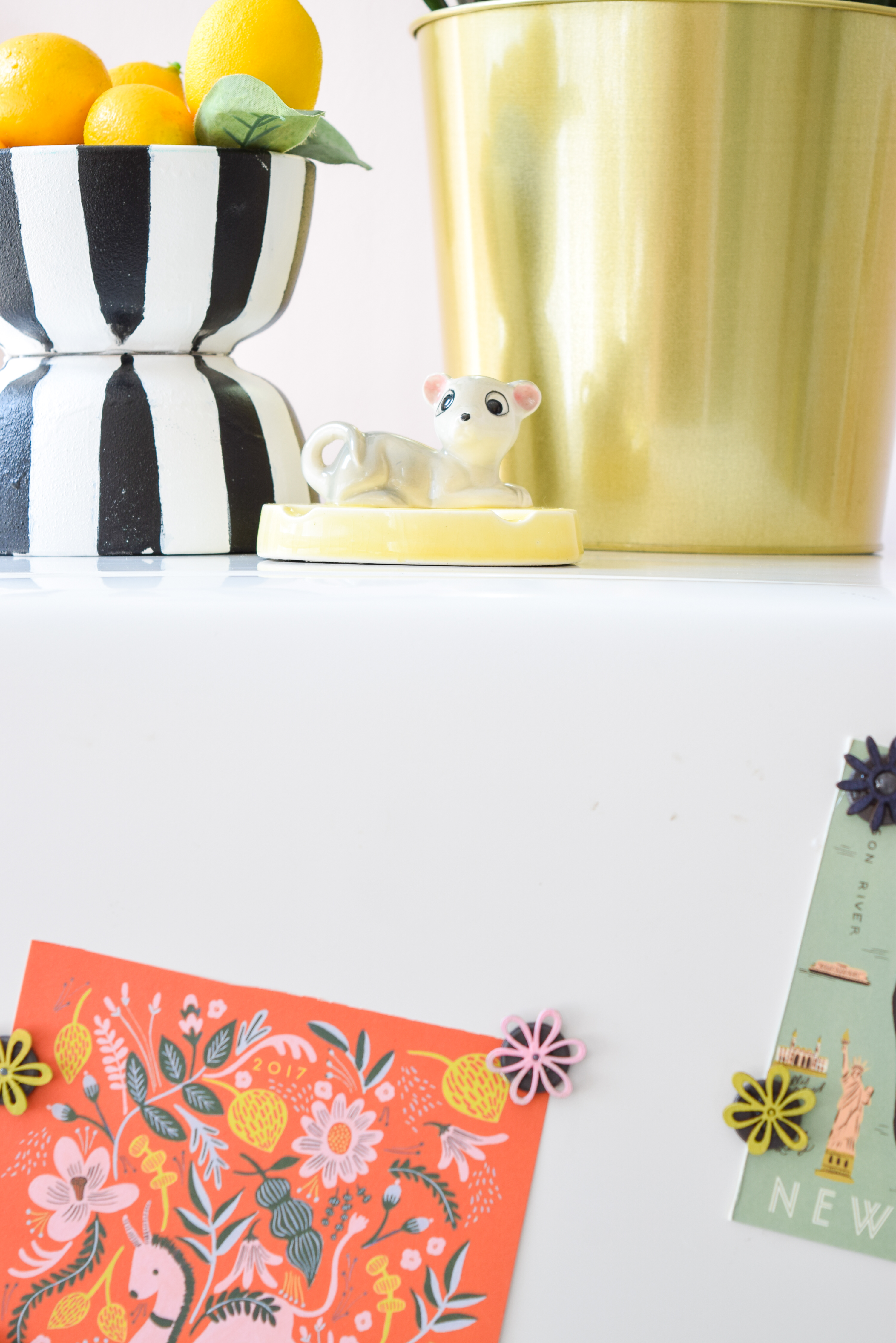Fun DIY Colour Coordinated Magnets are all you need to bring some life to your fridge, and bring out the colours in your kitchen! Match them to your photos or post cards for maximum impact!