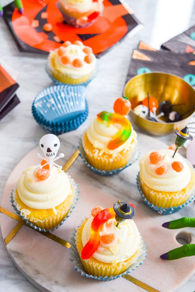 Easy to Decorate Halloween Cupcakes
