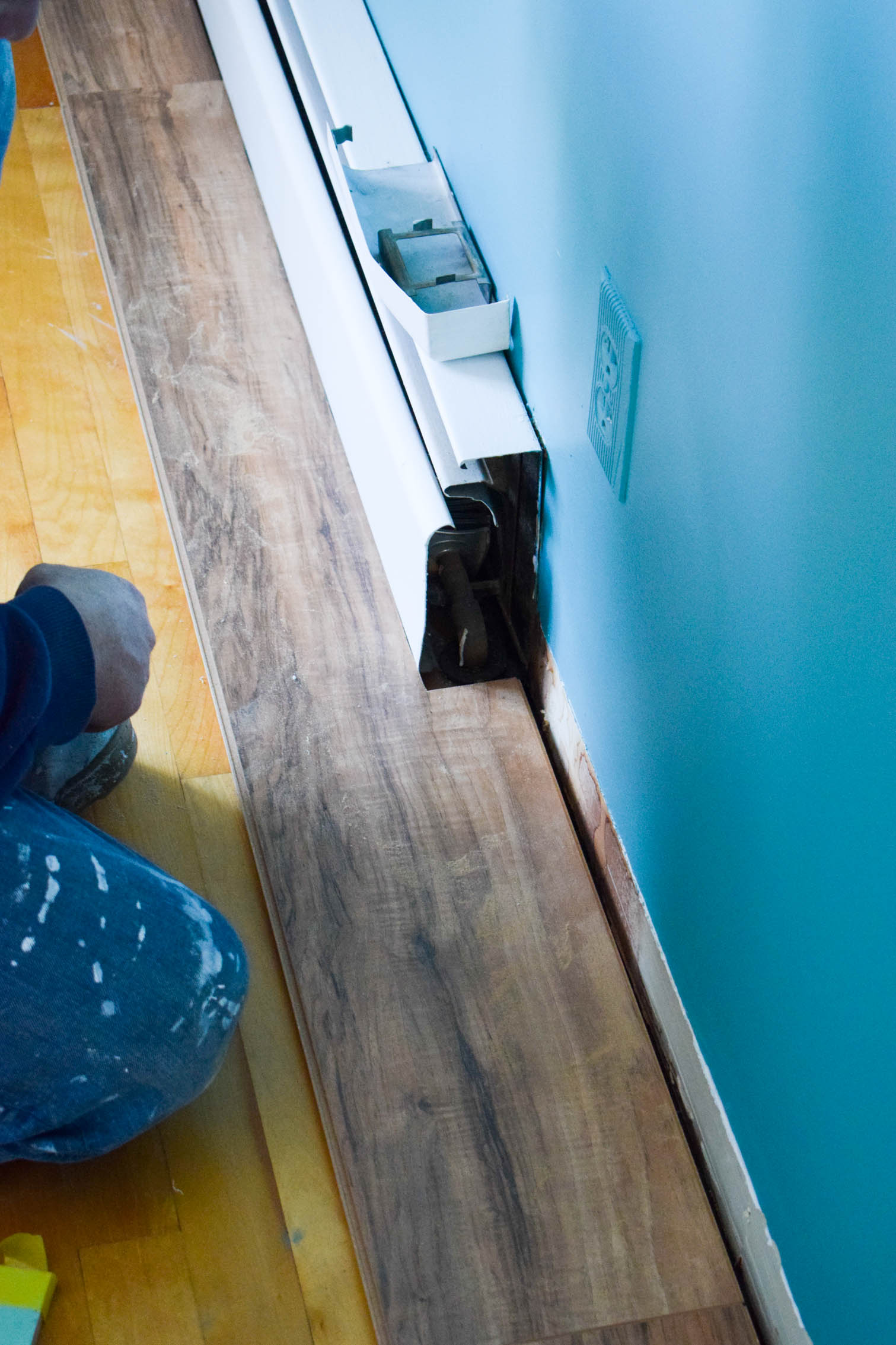 Ever wondered how to install laminate flooring? Using our Golden Select Laminate flooring (in sandstone), we walk you through the process in our dining room.