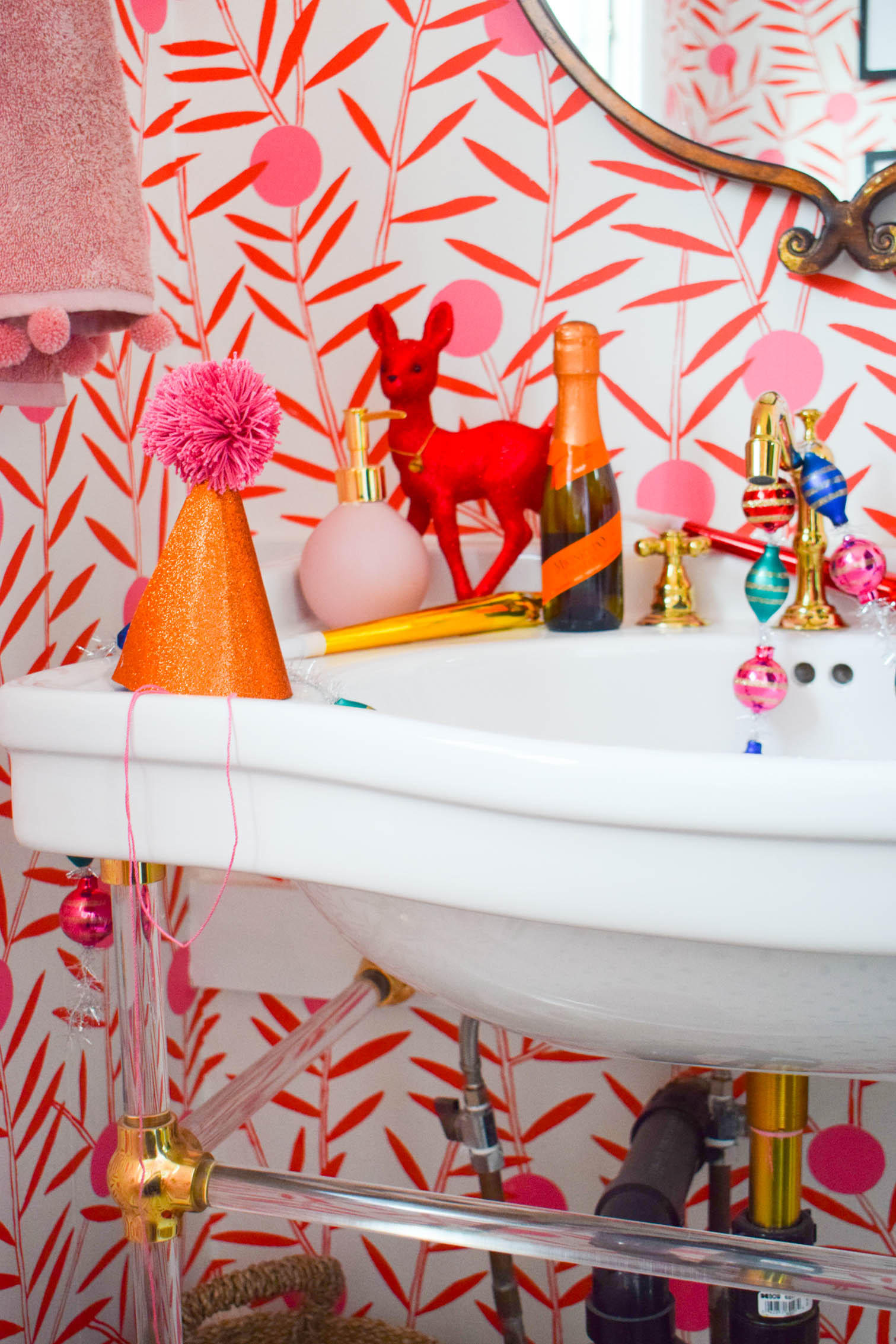 Make your own party hats using glitter cardstock and the right tools from Fiskars! You can be party ready in a few minutes.