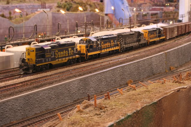 Four-engine consist on the Sierra Pacific Lines