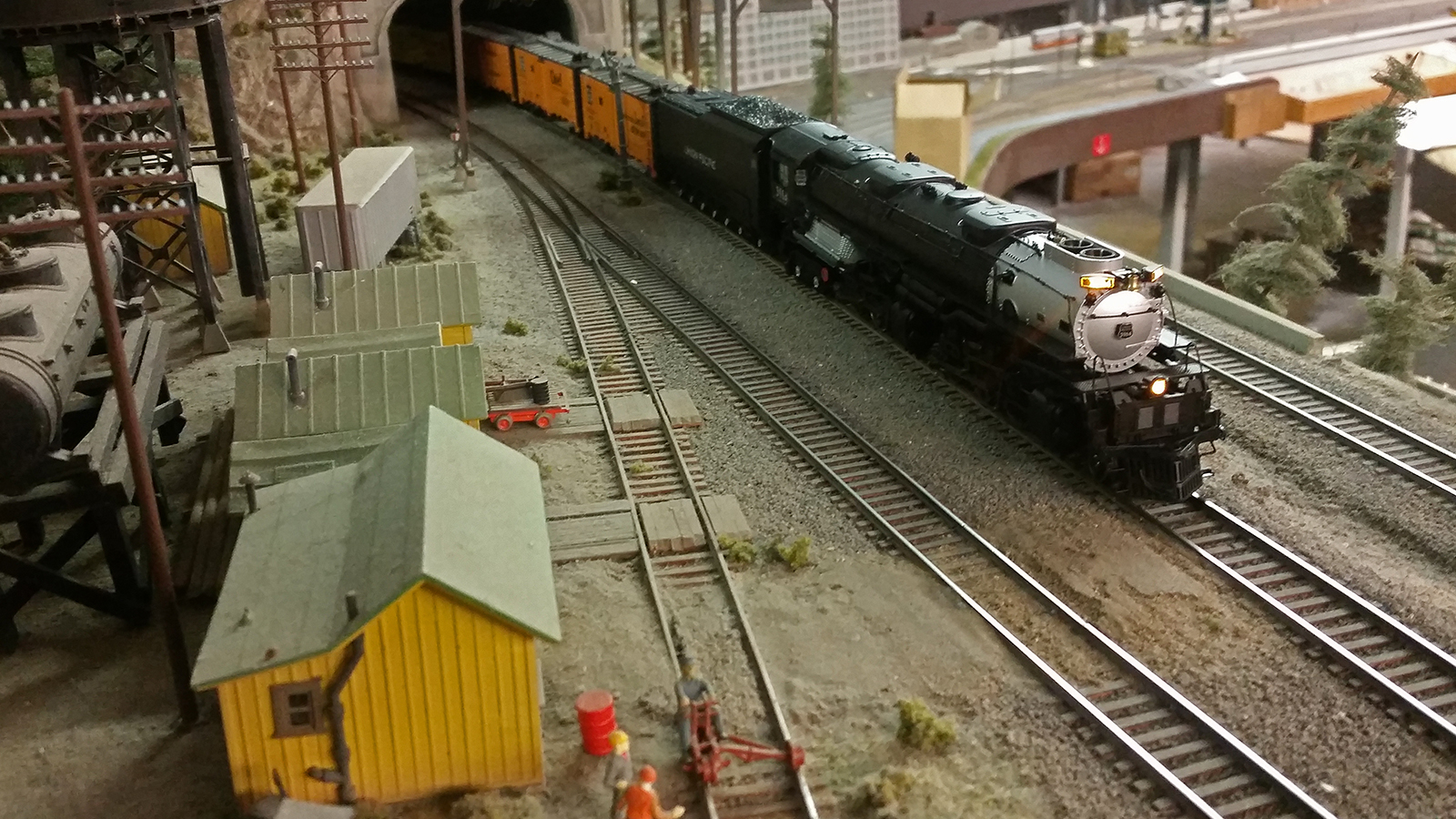 Dcc Conversion Model Trains Atlas Railroad Wiring Train Turntable Full Of Which It Is I Dont Have One Those Handy So Here Instead A Photo Chris Holts Beautiful Challenger On Reefer