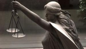 justice-is-blind-statue