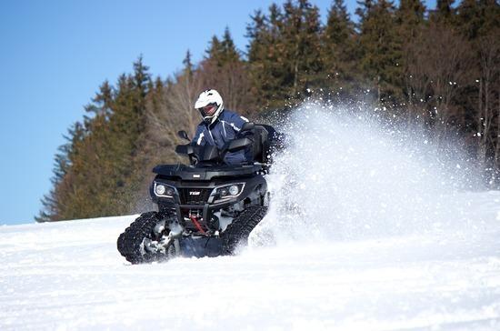 Ответственность за нарушение правил езды на квадроциклах и снегоходах ужесточат