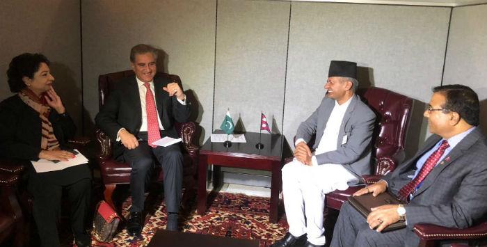 परराष्ट्रमन्त्री ज्ञवाली र पाकिस्तानी विदेशमन्त्री कुरेशीबीच भेटवार्ता