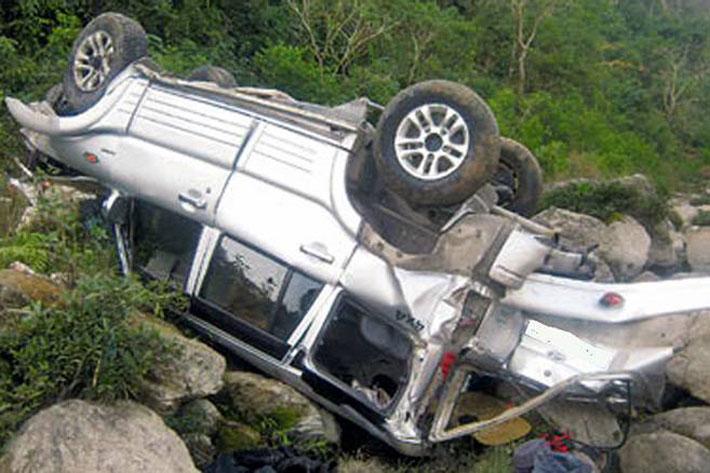 बागलुङमा जीप दुर्घटना, दुईको मृत्यु