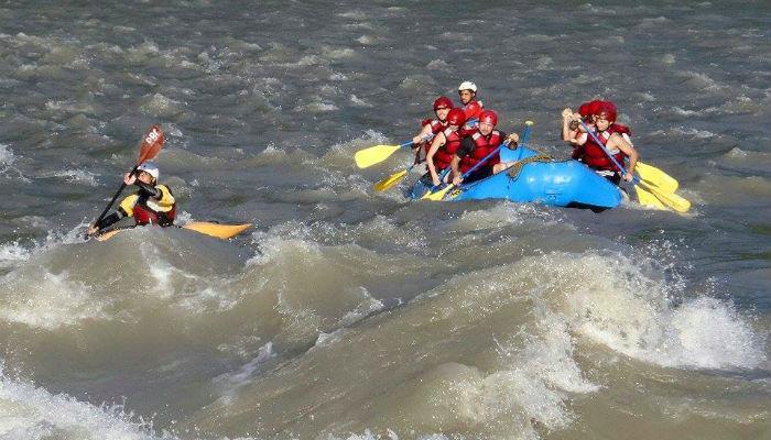 अरुण नदीमा जलयात्रा शुरु