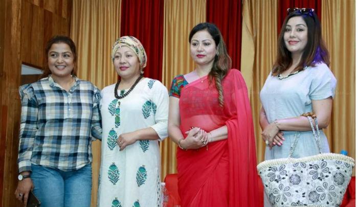 सुरक्षाको माग गर्दै सरिता लामिछानेले गरिन पत्रकार सम्मेलन