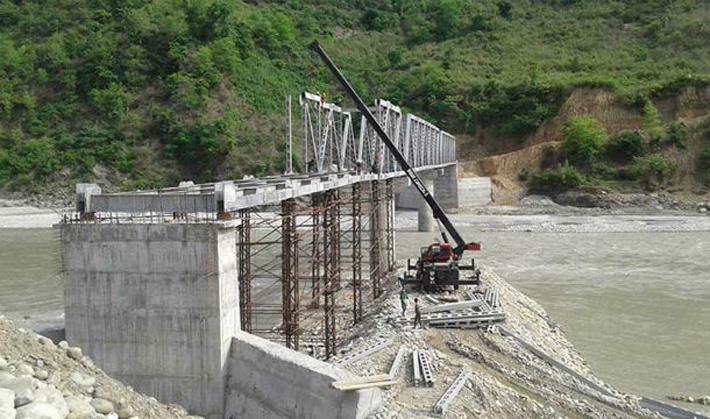 तीन वर्ष बित्दा पनि बनेन पुल