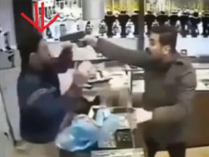 銃を持った強盗、ただし店員は特殊部隊並みに強くて・・・(動画)