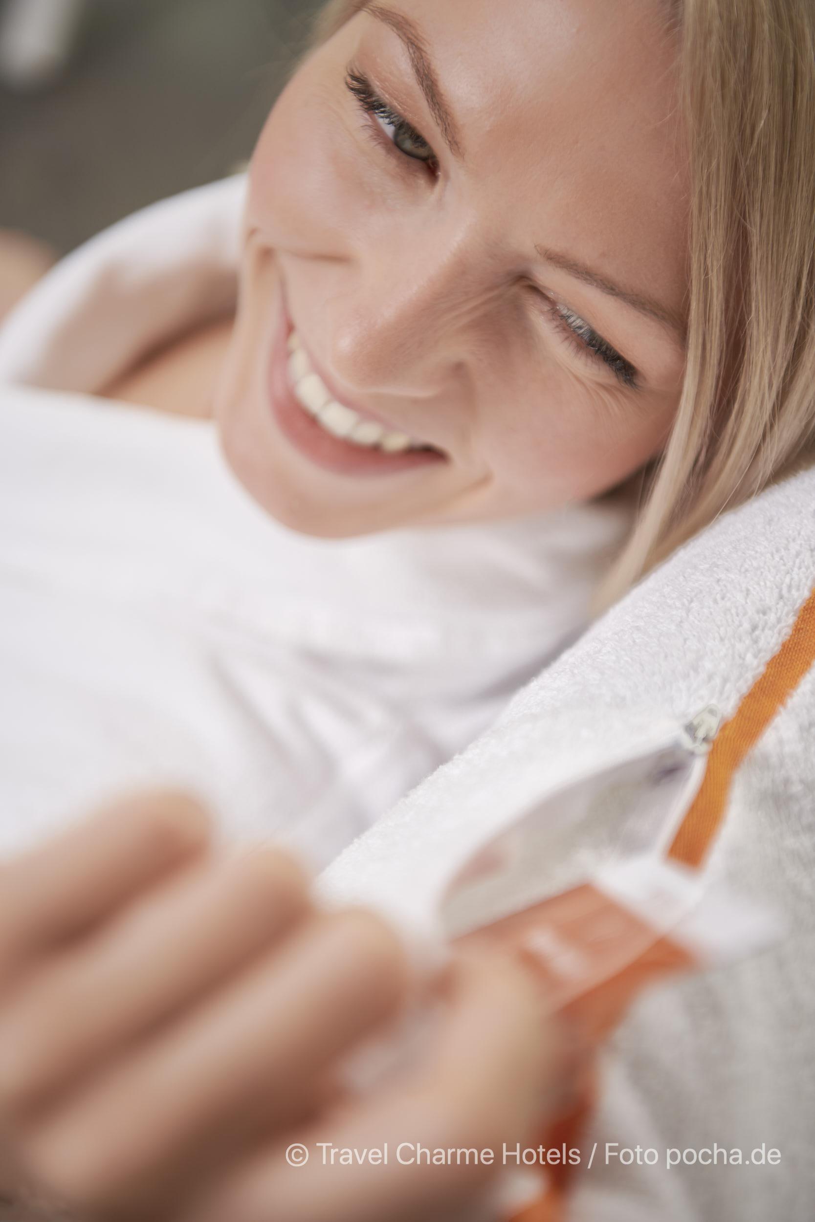 Liesa Wellness Komfort Handtuch Produkt Photoshooting mit Mode
