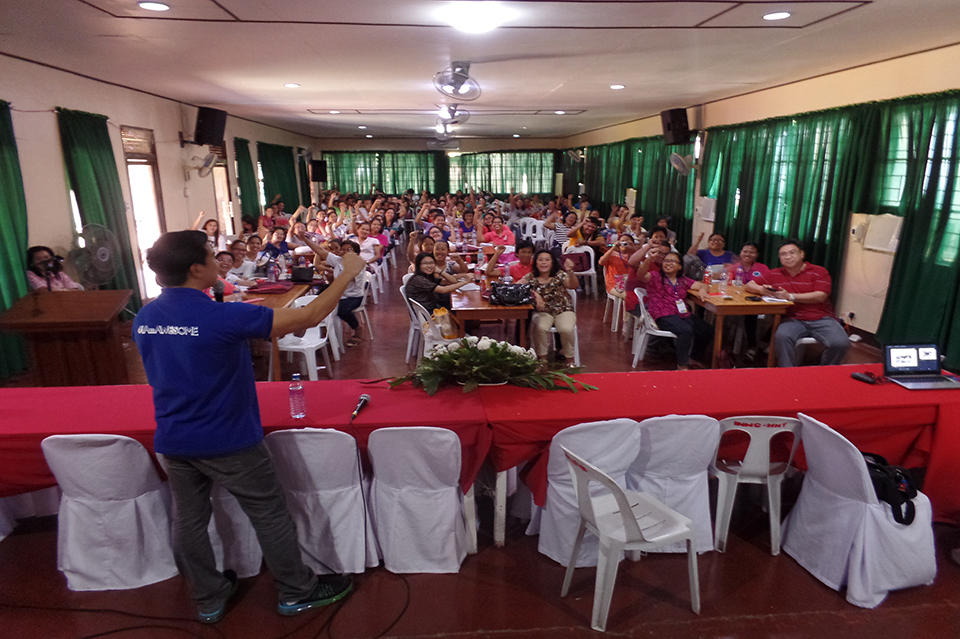 Voice Care for Teachers workshop in Iloilo