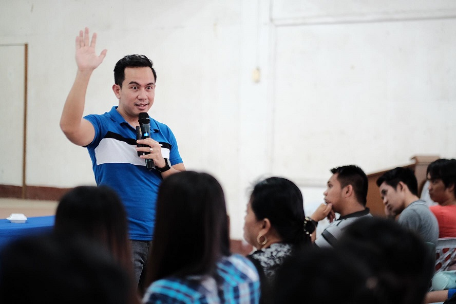 Filipino Motivational Speaker speaks about passion-driven business