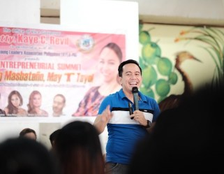 Filipino Motivational Speaker speaks at the Youth Entrepreneurial Summit in Masbate