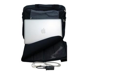 Der Apple Juicz Solar Charger lädt das MacBook über Solarzellen auf