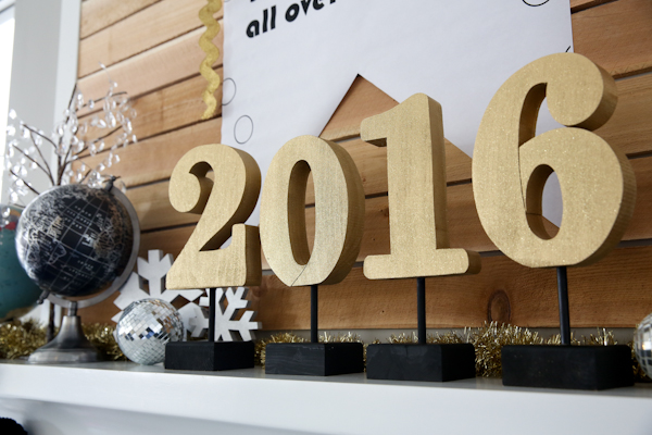 New Years Mantle Decoration- @PocketfulofPaint