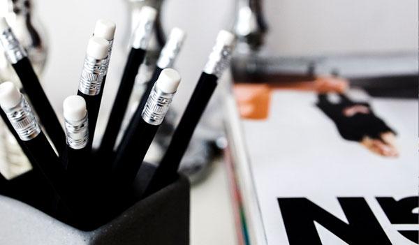 Stifte in einem Becher