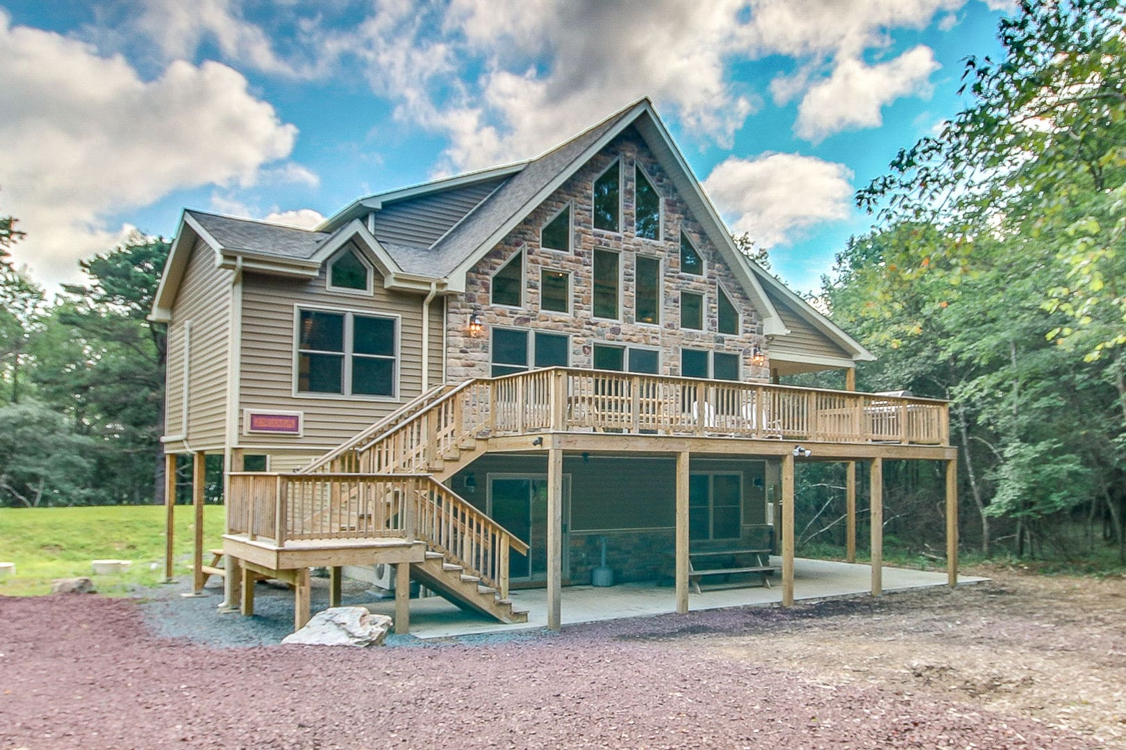 7 Bed Luxury Cabins in Poconos  Book a Poconos Getaways