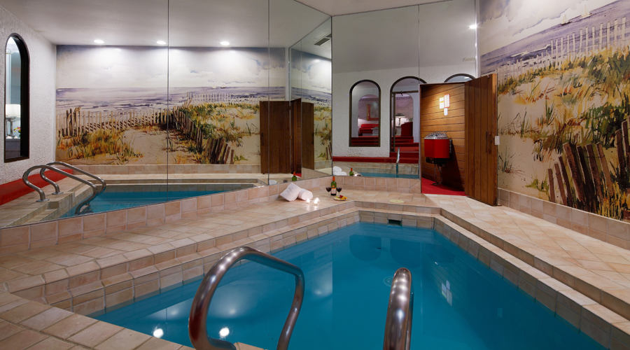 Guide to Pocono Palace Resort a couples only resort in the honeymoon Capital of the US Pocono
