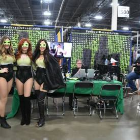Motor City Comic Con – IT in the D, Elegant Weapon, Top Rope Review talking Star Wars