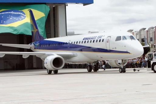 Resultado de imagem para Governo não irá abrir mão do controle da Embraer, diz Temer