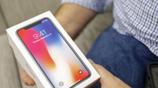 Пользователи iPhone X обнаружили, что могут выключать будильник взглядом