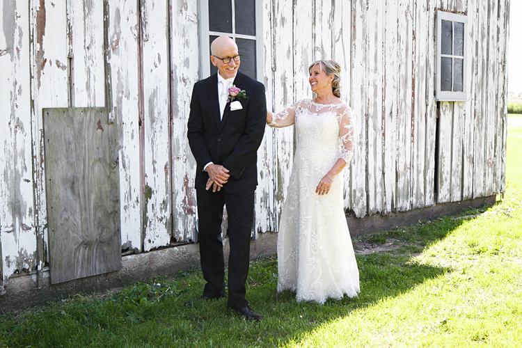 Illinois Barn Wedding Photos