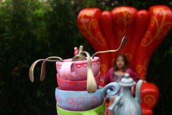 Alice TeaParty3 DisneyLand Park 19 Aug 2011 (Photo by Gil Dekel) (41)